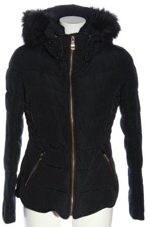 Zara Daunenjacke schwarz Steppmuster Casual-Look