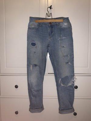 Zara destroyed Boyfriend-Jeans