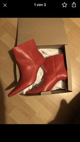 Zara Slip-on Booties red
