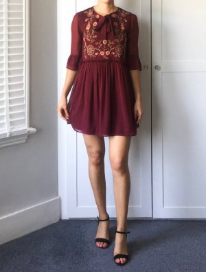 ZARA Embroidered Kleid Dress Spitze Stickerei Trend Blogger Musthave