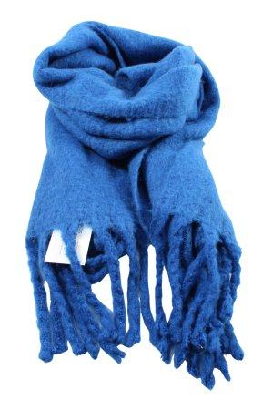 Zara Bufanda de flecos azul look casual