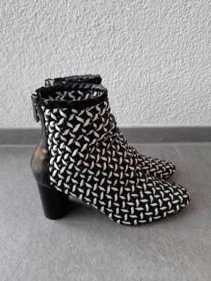 Zara geflochtene Stiefeletten in Schwarz und Weiß