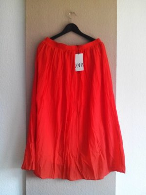 Zara geknitterter Midirock in orange, Größe L, neu