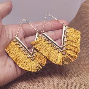 Zara - gold/ senffarben Boho Quastenohrringe, geometrisch, verziert-dreieckig, Fransen, neu