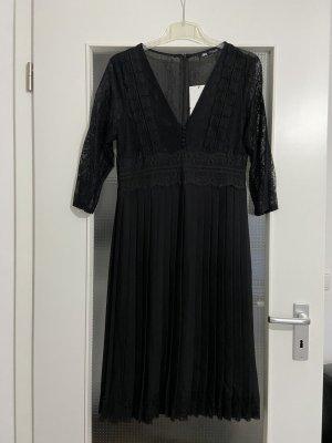 Zara Guipure/Spitzen Plisseekleid,Gr S neu