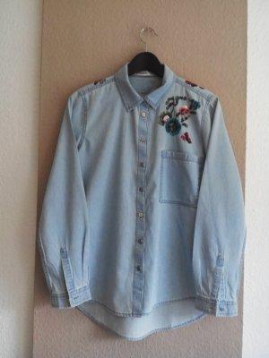 Zara Hemdbluse in Jeans-Optik mit Paillettenstickerei in Blumenform, Größe L, fällt kleiner aus