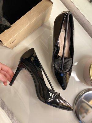 Zara High Heels aus glänzendem Lack mit Goldzug Gr. 37