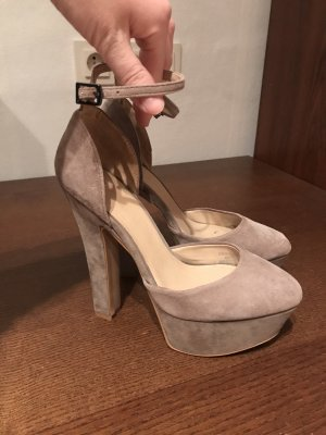 Zara High Heels in Taupe