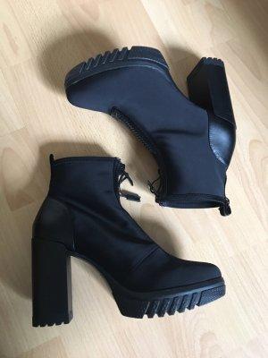 Zara High-Heels *NEU* mit Reißverschluss in schwarz