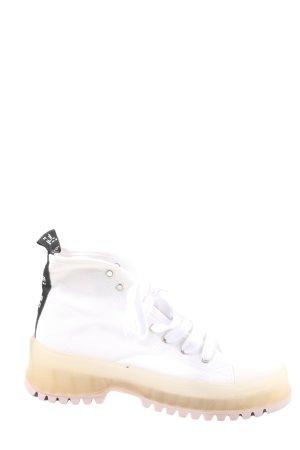 Zara High Top Sneaker weiß-schwarz Schriftzug gedruckt Casual-Look