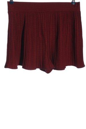 Zara Pantalón corto de talle alto rojo-negro look casual