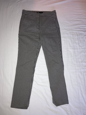 Zara Pantalon chinos blanc-noir