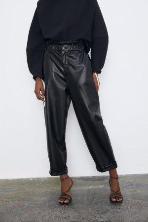 Zara Pantalón de cuero negro Poliuretano