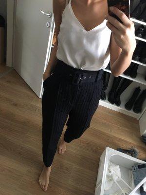 Zara Hose mit Gürtel schwarz