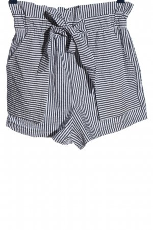 Zara Hot Pants weiß-schwarz Streifenmuster Casual-Look