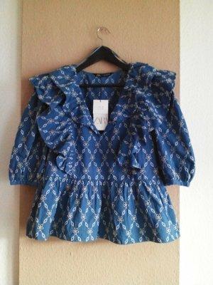 Zara hübsche Bluse mit Volants und Lochstickerei in blau-weiss, Größe S, neu