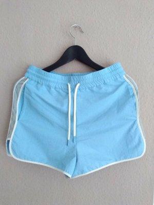 Zara hübsche Shorts in hellblau-weiss, Grösse 36, neu