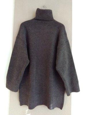 Zara hübscher Longpullover/Strickkleid in graubraun, Grösse M oversize