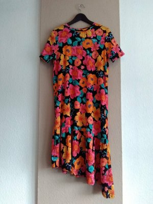 Zara hübsches geblümtes Shirtkleid, Größe M