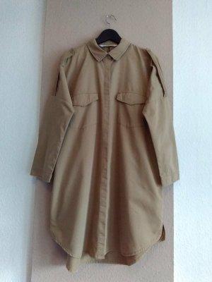 Zara hübsches Hemdblusenkleid in beige mit verwaschener Optik und Rissen, Größe L