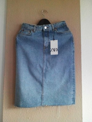 Zara hübsches Jeansrock in hellblau, verwaschener Optik, Größe 36, neu