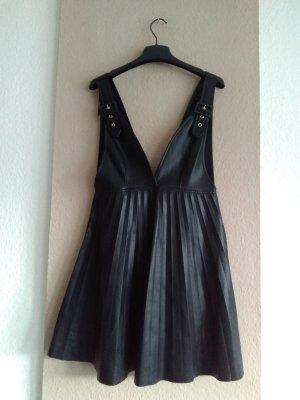 Zara hübsches plissisertes Kuntsleder Minikleid in schwarz, Grösse S, neu