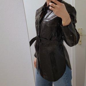 Zara Jacke mit Gürtel aus Kunstleder