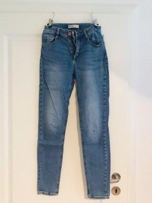 Zara Jeans 34 Highwaist