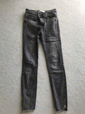 Zara Jeans Anthrazit Used-Look hervorragend