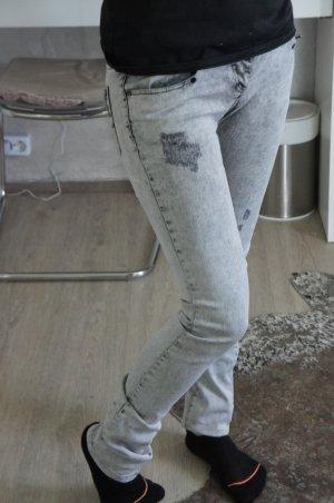 Zara Jeans DE 34 W26 wie neu grau