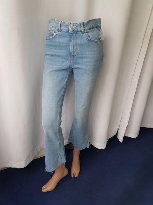 Zara Jeans Gr 40 high waist hellblau ausgefranzes Bein Neu mit Etikett!