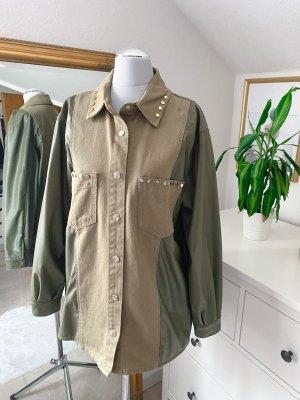 Zara Jeans Jacke mit Lederärmeln khaki nieten 34/XS