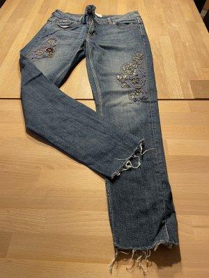 Zara Jeans mit Applikationen 40