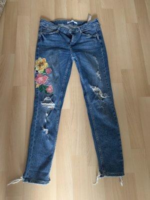 Zara Jeans mit Blumen
