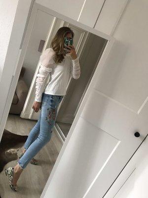 Zara Jeans mit Blumenstickerei