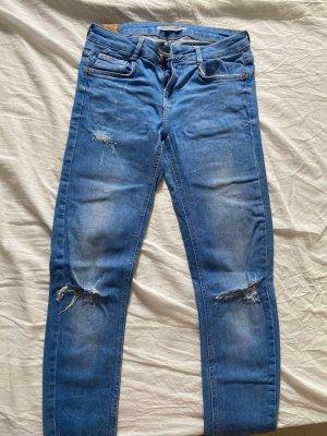 Zara Jeans mit Cut outs