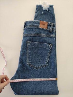 ZARA Jeans mit hohem Bund / High Waist Highwaistjeans