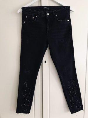 Zara Jeans mit Nieten und Blumen Gr. 36/38