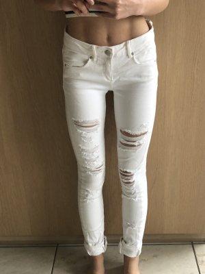 Zara-Jeans mit Rissen