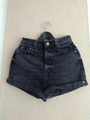 Zara Jeans Shorts in schwarz, Mom fit, Grösse 36, neu