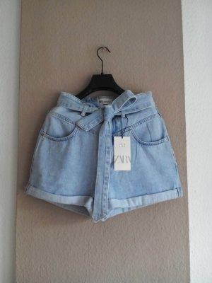 Zara Jeans Shorts mit Gürtel, hellblau, verwaschene Optik, Grösse 36, neu