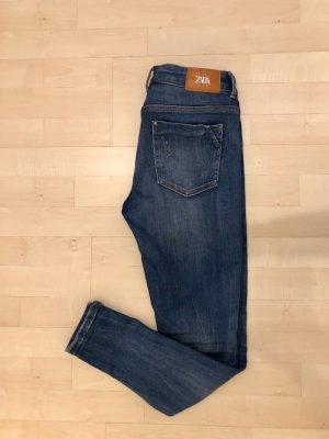 Zara Jeans Skinny Slim 36 Blau Top aktuelle Kollektion wie neu Stretch