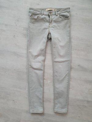 Zara Trafaluc Pantalón de tubo gris claro