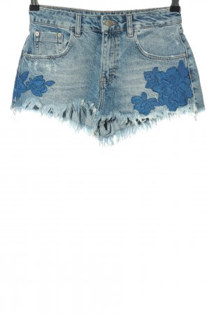 Zara Jeansshorts blau Blumenmuster Casual-Look