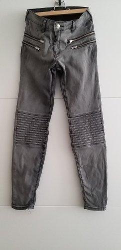 Zara Vaquero de motero gris