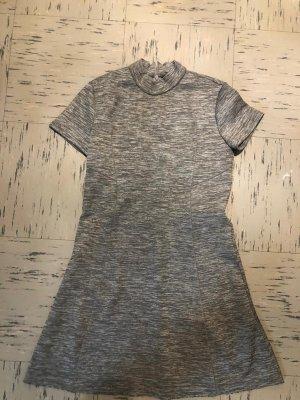 Zara Robe à manches courtes gris