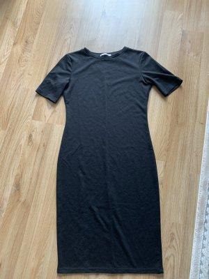 Zara Trafaluc Robe en jersey noir