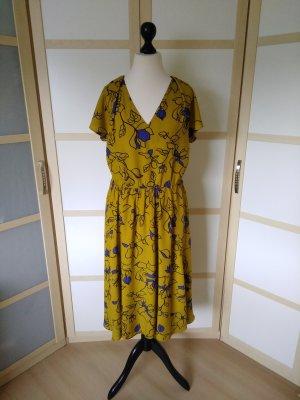 Zara Kleid aus 100 % Viscose