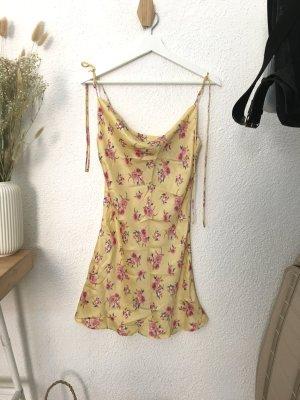 Zara Kleid aus Viskose Gr. S / cowl neck
