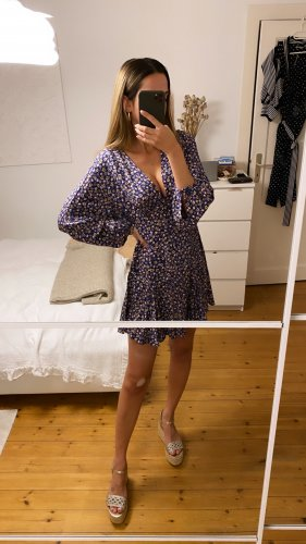 Zara Kleid Blumen Tunika Top Blau Lila